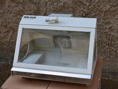 Ionizační filtrační odsávač
