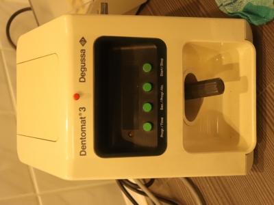 Dentomat 3 - třepač