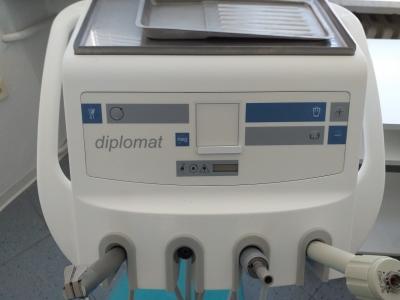 Křeslo Diplomat včetně vybavení